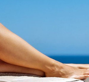 Easy-ways-to-get-rid-of-dry-skin-on-your-legs-this-winters
