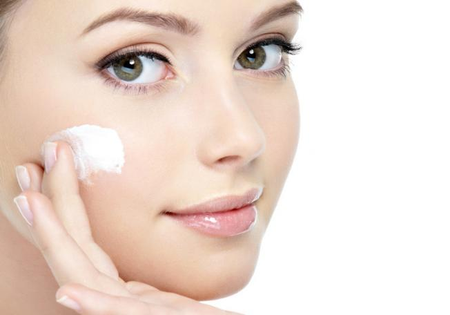 To-Get-Beautiful-Skin-And-Wants-To-Be-More-Attractive-With-Glowing-Skin