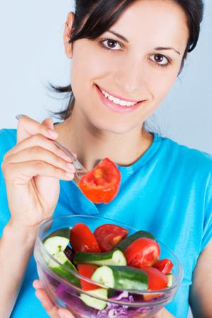woman-eating-salad-1