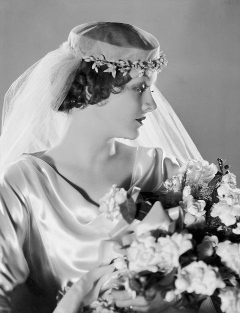 54ff6cb8d4f55-ghk-1930s-history-of-wedding-hair-de