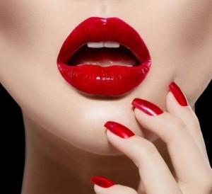 red_lips_by_paullus23-d6v0z70