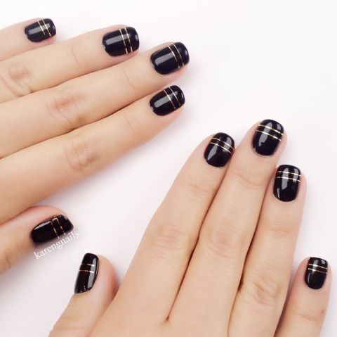 elle-short-nail-art-black-and-gold