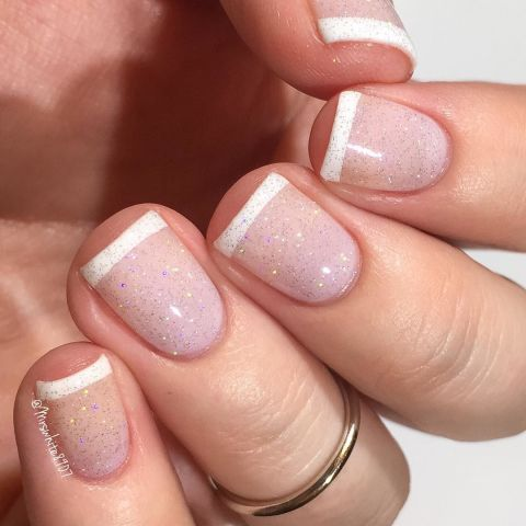 elle-short-nail-art-glitter-french-tips
