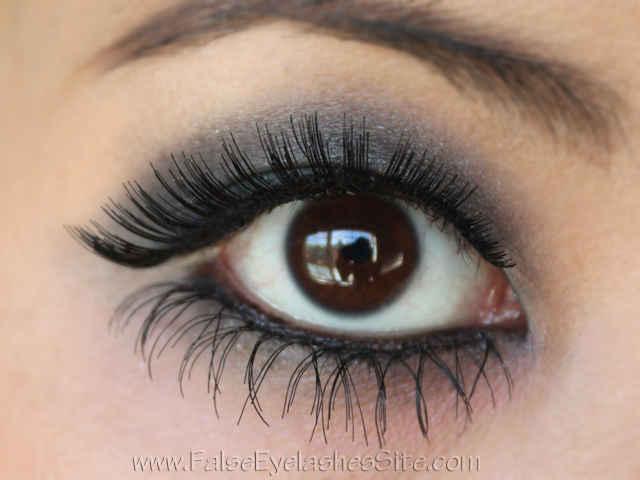 zombie-makeup_base-and-under-lashes