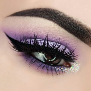 easter-makeup-ideas-black-eyeliner-purple-eyeshadow