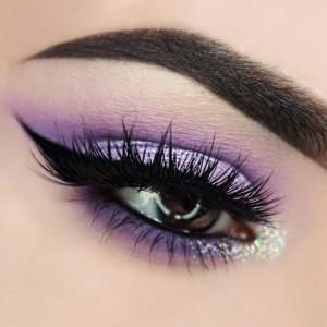 easter-makeup-ideas-black-eyeliner-purple-eyeshadow
