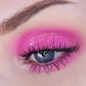 easter-makeup-ideas-bright-pink-eyeshadow-glitter